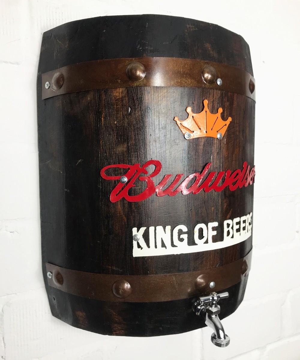 Budweiser Holzfass mit Zapfhahn
