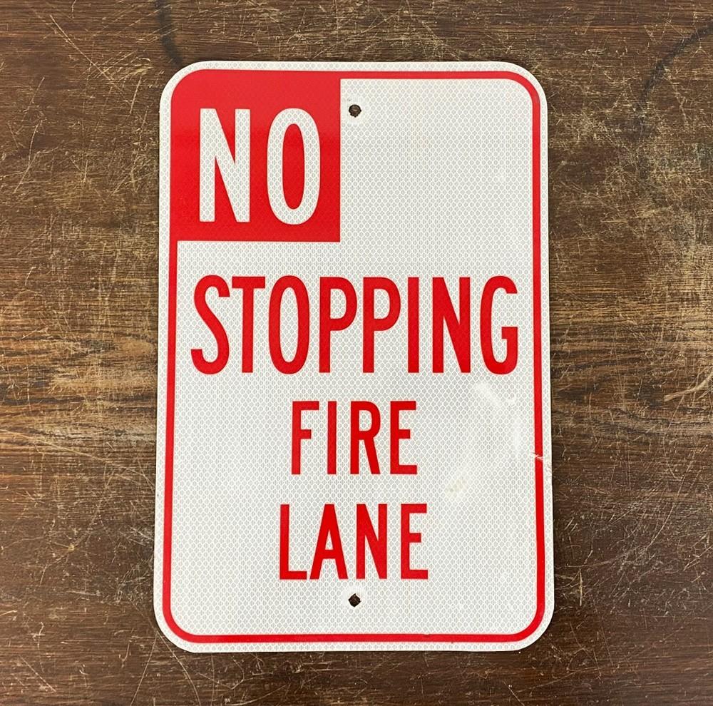 Original USA Schild - No Stopping Fire Lane Verkehrsschild