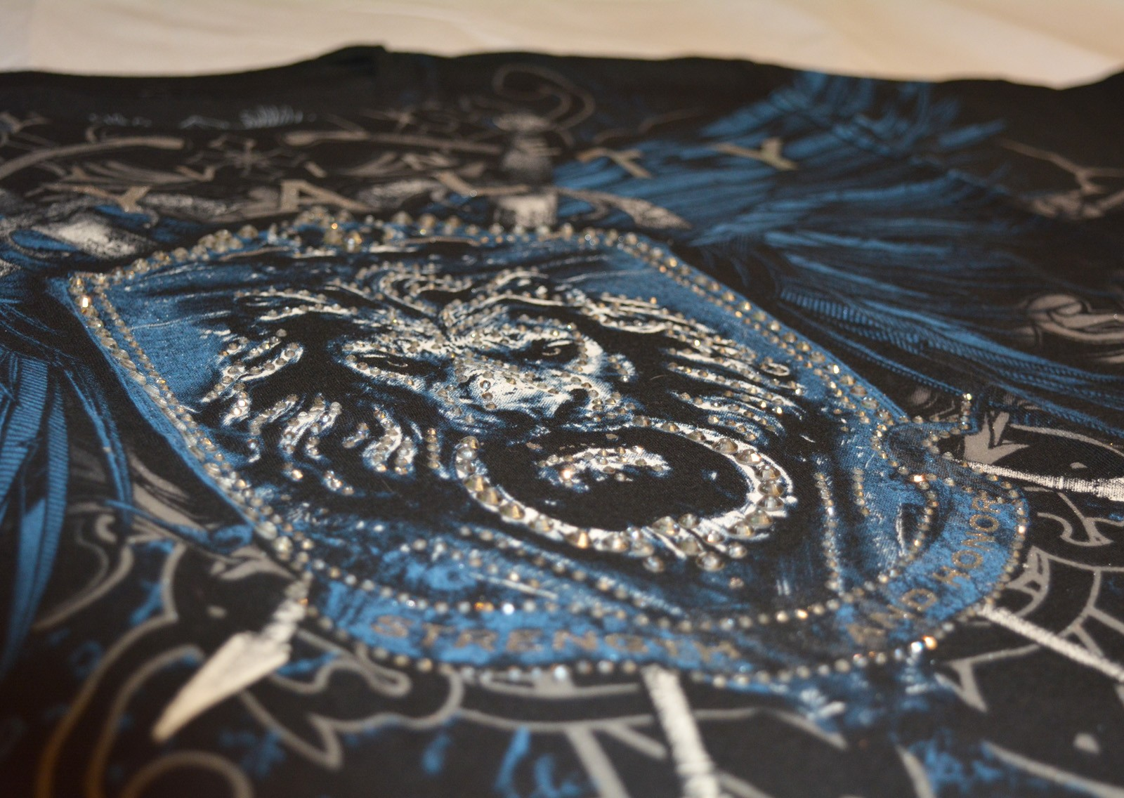 Xzavier - Royalty Rhinestones/Strass T-Shirt Detail