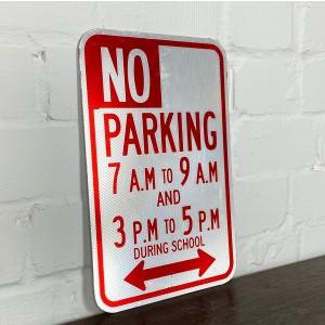 Original USA Schild - No Parking 7AM to 9PM Verkehrsschild
